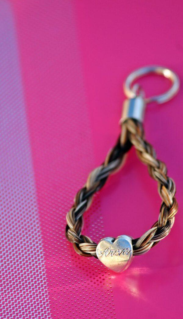 Schlüsselanhänger Pferdehaar Herz mit Gravur