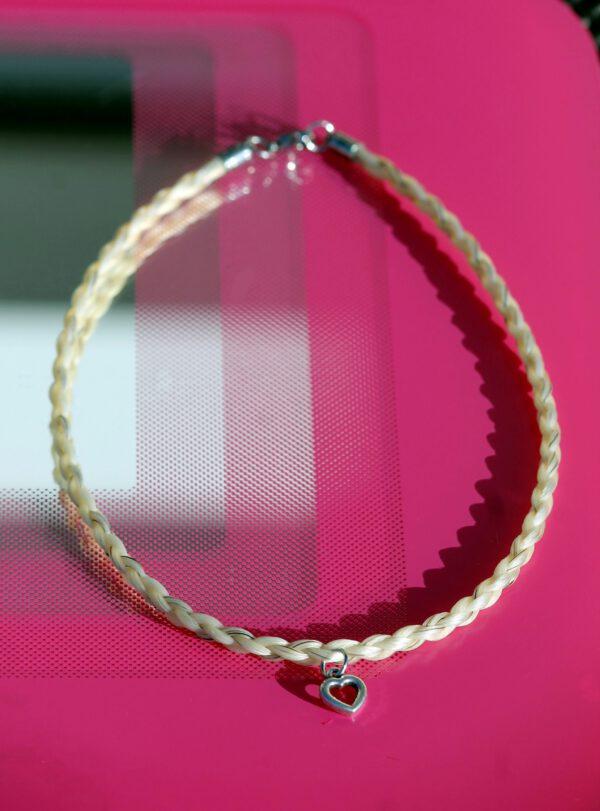Pferdehaar Halskette aus den Haaren vom eigenen Pferd