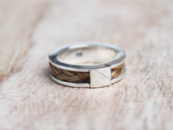 Pferdehaar Ring, Silber 925 mit den Haaren vom eigenen Pferd